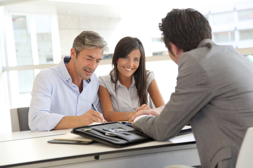 Reviewing cash title loan with customers